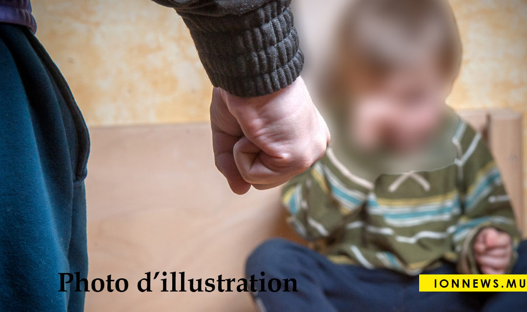 Un enfant de 20 mois admis à l'hôpital pour maltraitance