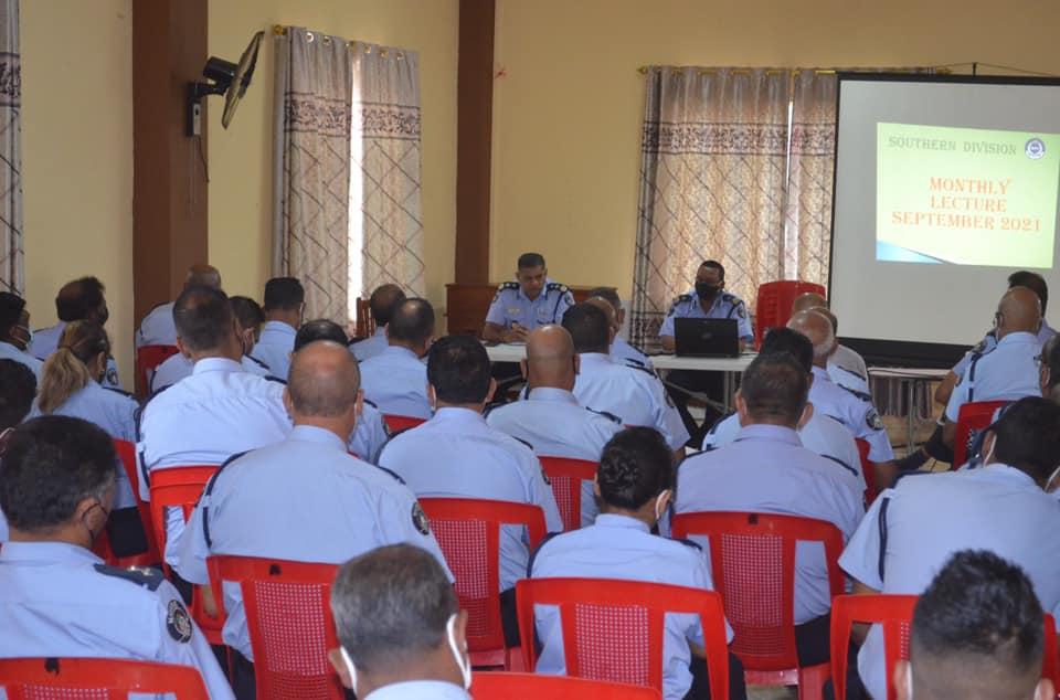 Le commissaire de police motive les agents de la Southern Division
