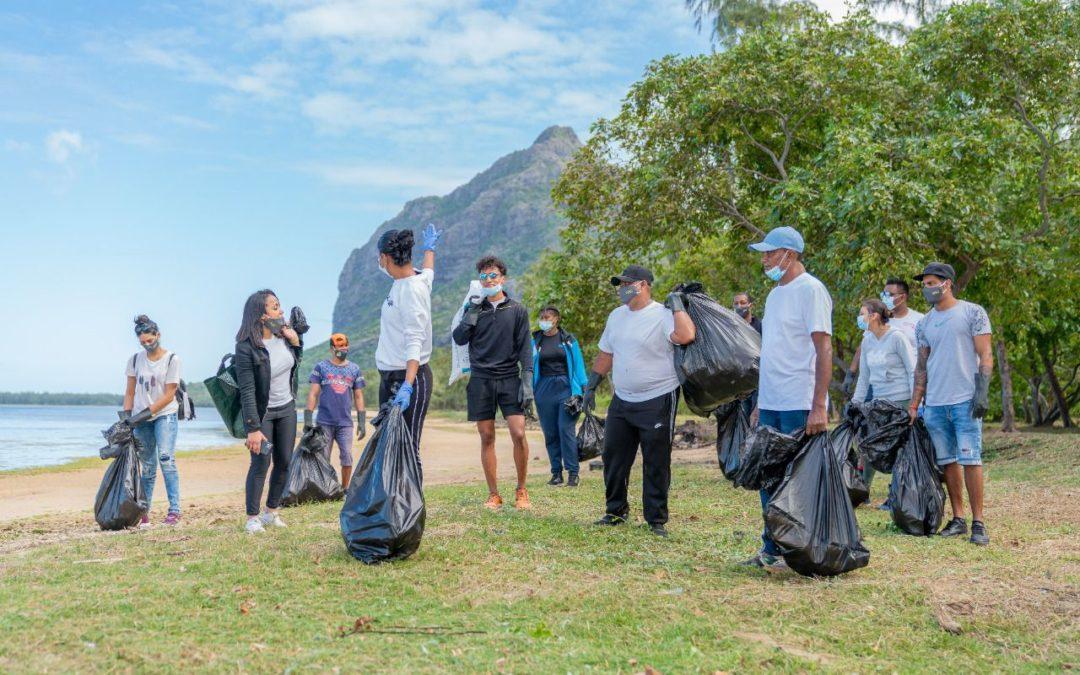 LUX* Le Morne Resort, partenaire officiel de la Journée mondiale du nettoyage 2021