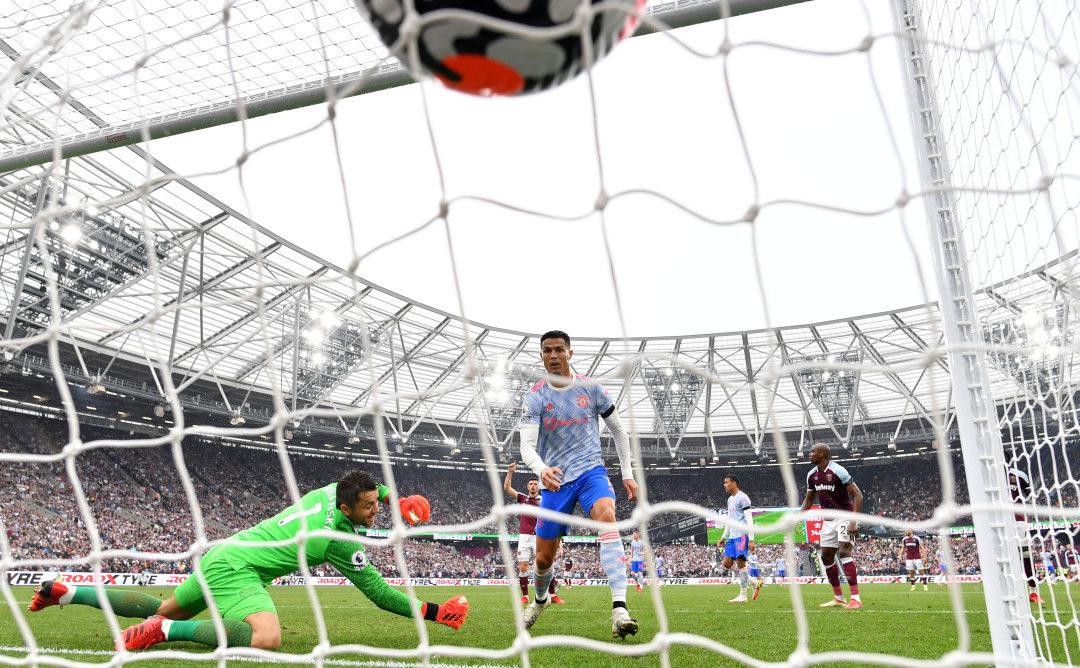 Cristiano Ronaldo face à Fabianski